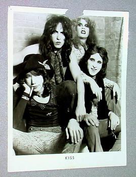 Рекламное фото KISS 1973 года