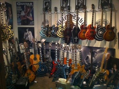 Коллекция гитар Закка Уайлда